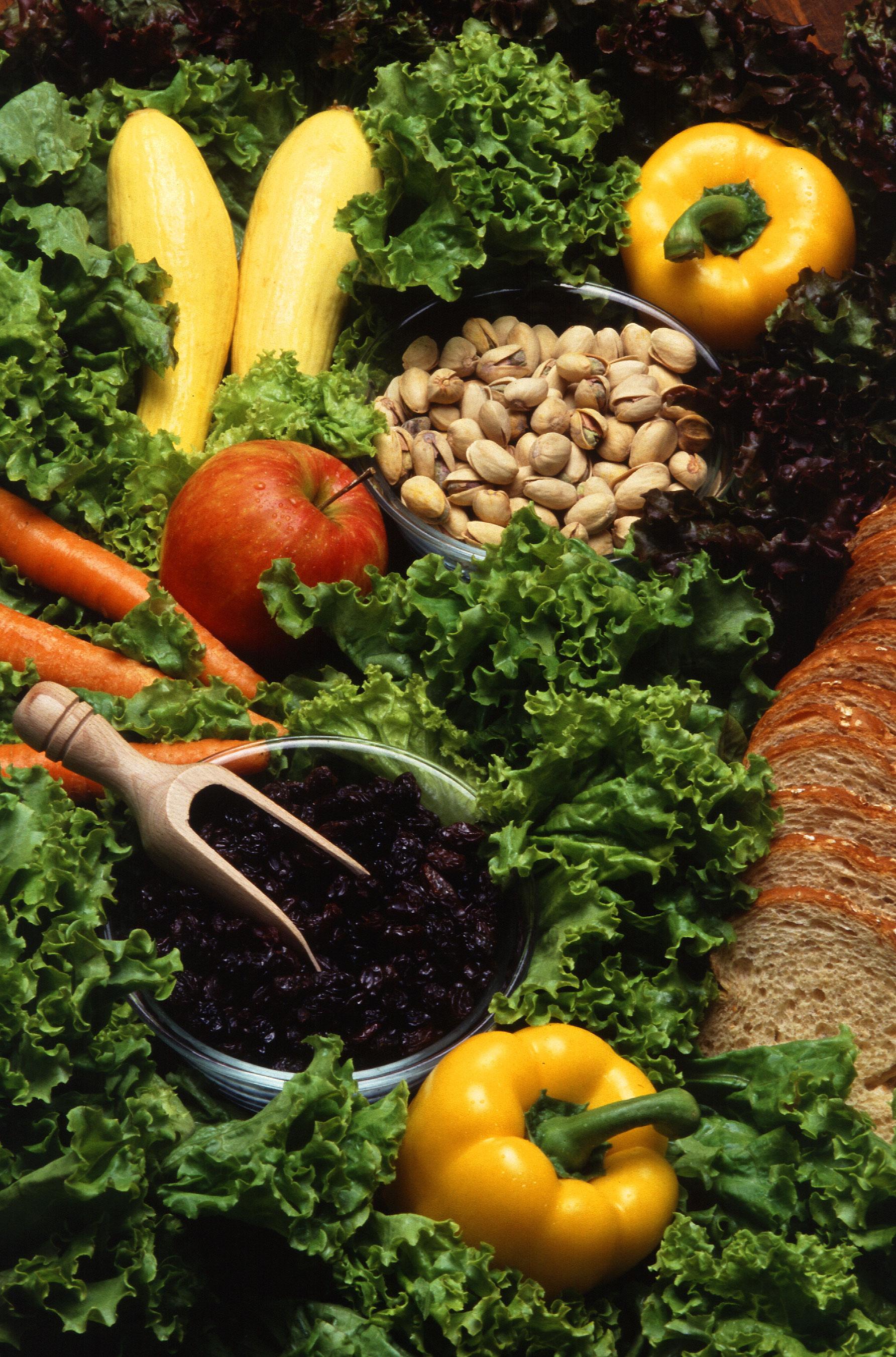 Gemüse, Früchte, Pistazien, Brot